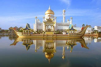 Brunei Bandar Seri Begawan Omar Ali Saifuddien Mosque with stone boat and lagoon by day