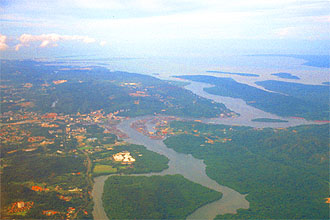 Brunei Bandar Seri Begawan from aircraft 2