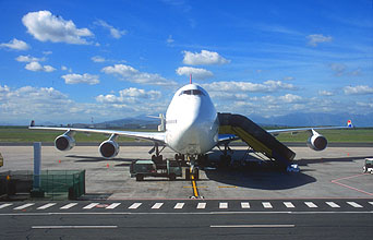 CPT Cape Town International Airport South African Airways B747-400 aircraft