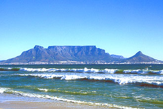 Cape Town with Table Mountain from Bloubergstrand