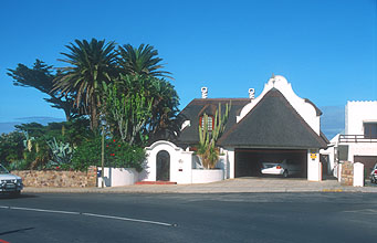 Hermanus villa in Cape Dutch style
