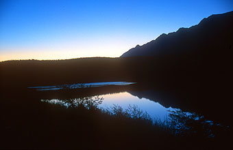 Swellendam Backpackers river at sunset 2