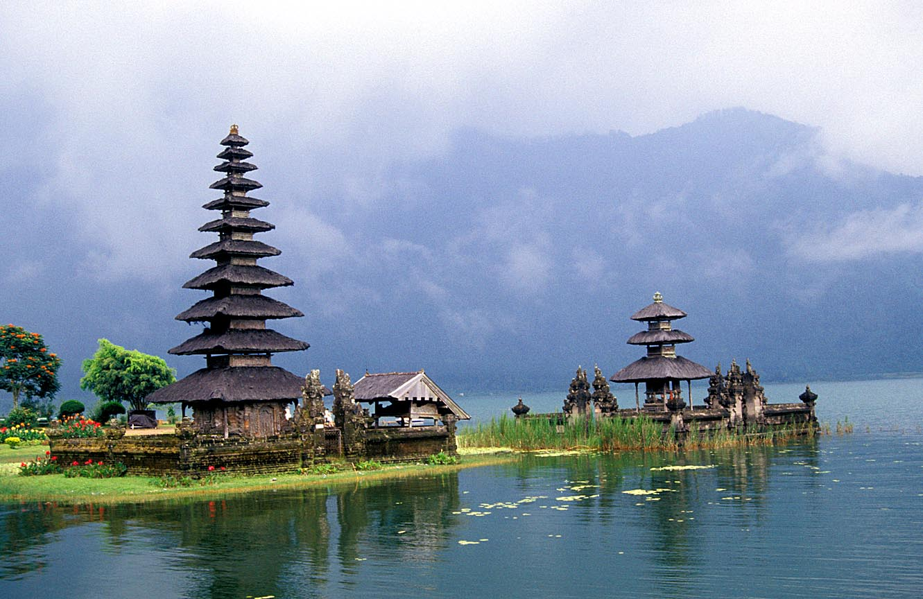 Sea Temples of Beautiful Bali: The Island Paradise Of 1,000 Temples ...