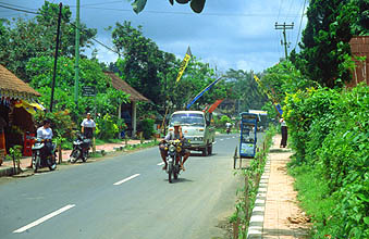 Bali Ubud street scene in small village