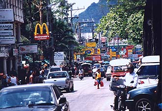 Phuket: Patong, Beach Road