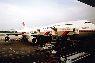 MH 747-400 at KUL