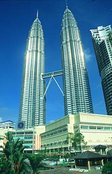 Petronas Twin Towers portrait from park