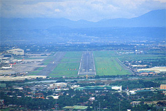 Manila Ninoy Aquino International Airport with runway 0624