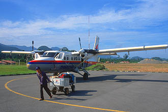 Mulu Airport Malaysia Airlines Rural Air Services Twin Otter aircraft