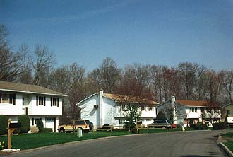 NYC_Fishkill_Typical_Houses_2.jpg