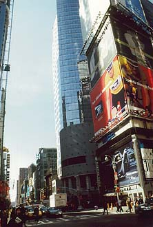 NYC_New_York_42_Street_near_Times_Square.jpg