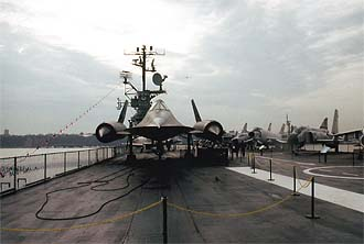 NYC_New_York_A-12_Blackbird_Aircraft_on_Aircraft_Carrier_Intrepid.jpg