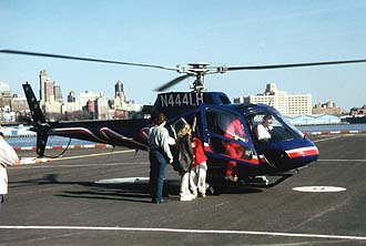 NYC_New_York_Downtown_Manhattan_Heliport_Liberty_Helicopters_departure.jpg