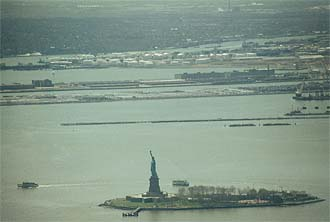 NYC_New_York_Liberty_Statue_Panorama_from_World_Trade_Center.jpg