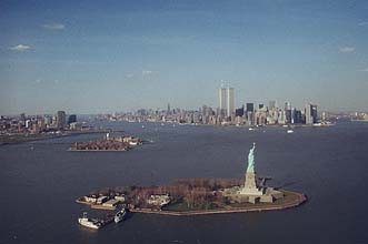 NYC_New_York_Liberty_Statue_and_Manhattan_from Aircraft.jpg