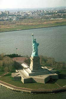 NYC_New_York_Liberty_Statue_from_Helicopter.jpg