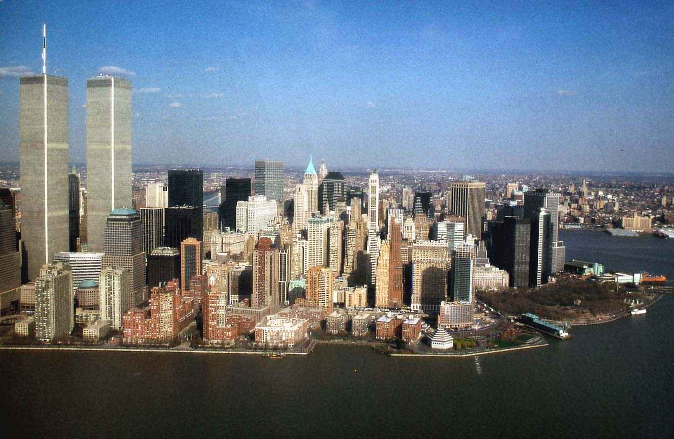 NYC_New_York_Lower_Manhattan_and_Battery_Park_from_Helicopter