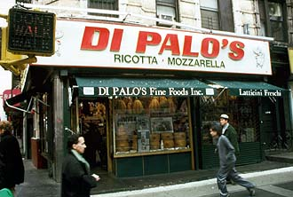NYC_New_York_Manhattan_Little_Italy_Deli_store.jpg