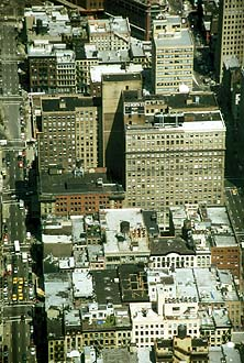 NYC_New_York_Manhattan_Street_and_Houses_from_WTC.jpg