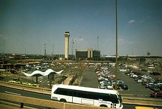 NYC_New_York_Newark_Airport_EWR_Tower.jpg