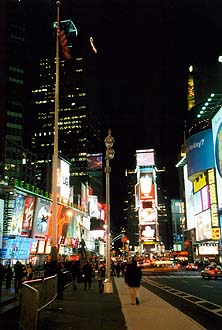 NYC_New_York_Times_Square_by_night.jpg