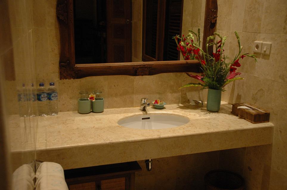 DPS Bali Ubud Bedulu Gubah Bali Exclusive Villas Bathroom Wash Basin With  Flowers 3008x2000