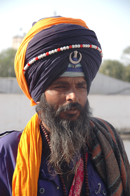 SIKH Tích khắc giáo DEL%20Delhi%20-%20Gurdwara%20Bangla%20Sahib%20Sikh%20temple%20portrait%20with%20colourful%20turban%2001%203008x2000