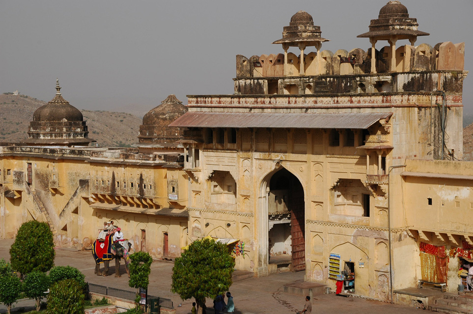 Jaipur rajasthan india jai jaipur amber fort palace for Wallpaper for home walls jaipur