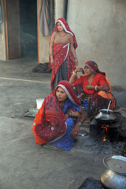 Mandawa rajasthan india del mandawa in shekawati region women in