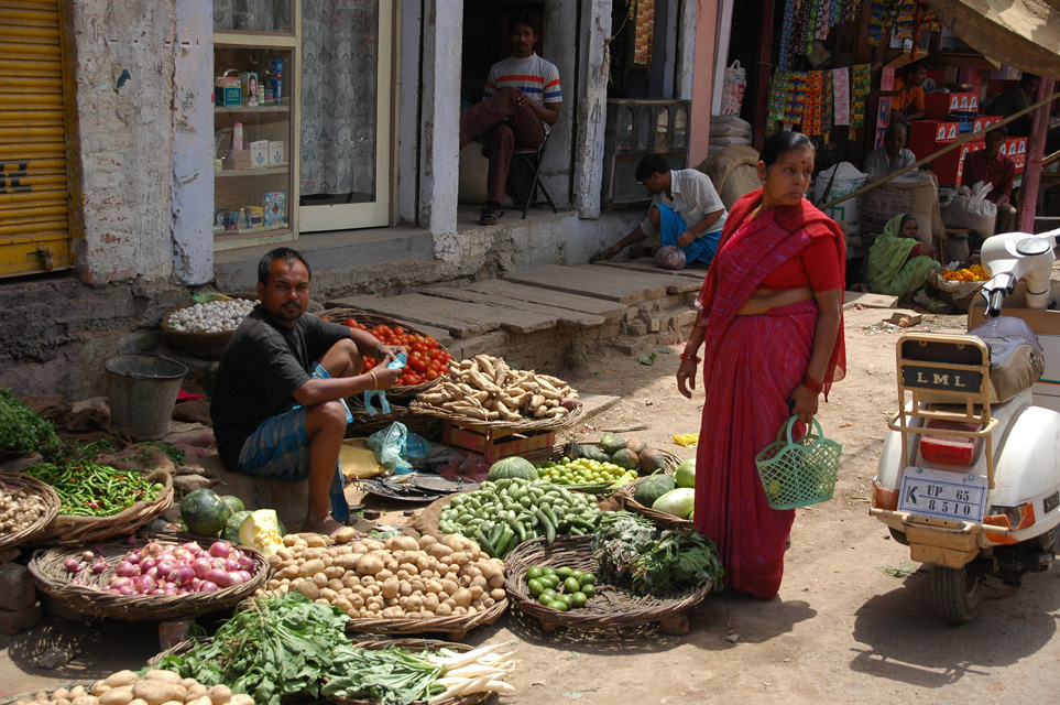 VNS Varanasi or Benares - vegetable vendor on Dasaswarmedh Ghat Road 3008x2000