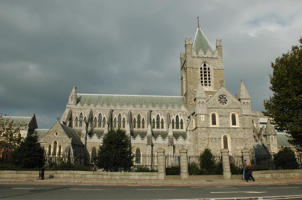 Excursions en Irlande catholique - Histoire - Foi Chrétienne - Moeurs et Traditions DUB%20Dublin%20-%20Christ%20Church%20Cathedral%20panorama%203008x2000