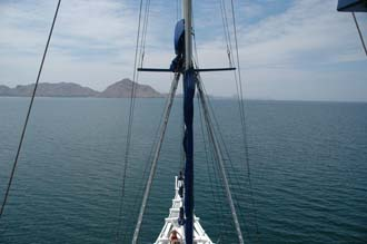 BMU Komodo Island Ombak Putih sailing ship view from second mast 4 3008x2000