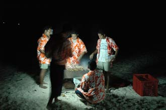 BMU Komodo Island Pulau Sabola Besar Island barbeque on the beach 1 3008x2000
