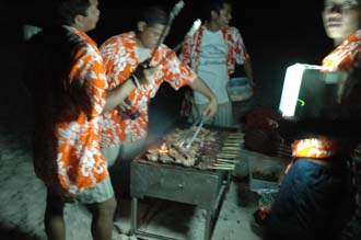 BMU Komodo Island Pulau Sabola Besar Island barbeque on the beach 2 3008x2000