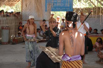 AMI Lombok Loang Gali village traditional dance performance 18 3008x2000