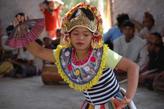 AMI Lombok Loang Gali village traditional dance performance 27 3008x2000