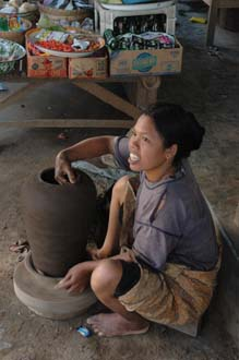 AMI Lombok Masbagik Timur pottery village woman making pottery with hands 3008x2000