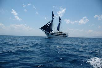 AMI Lombok Ombak Putih sailing ship from sea 5 3008x2000