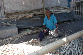 AMI Lombok Pringgasela traditional weaving village basket maker preparing bamboos 3008x2000