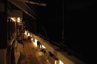AMI Lombok Senggigi Ombak Putih railing by night 2 3008x2000